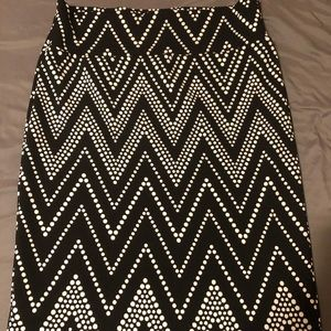 LuLaRoe Cassie black with white chevron dots 2X